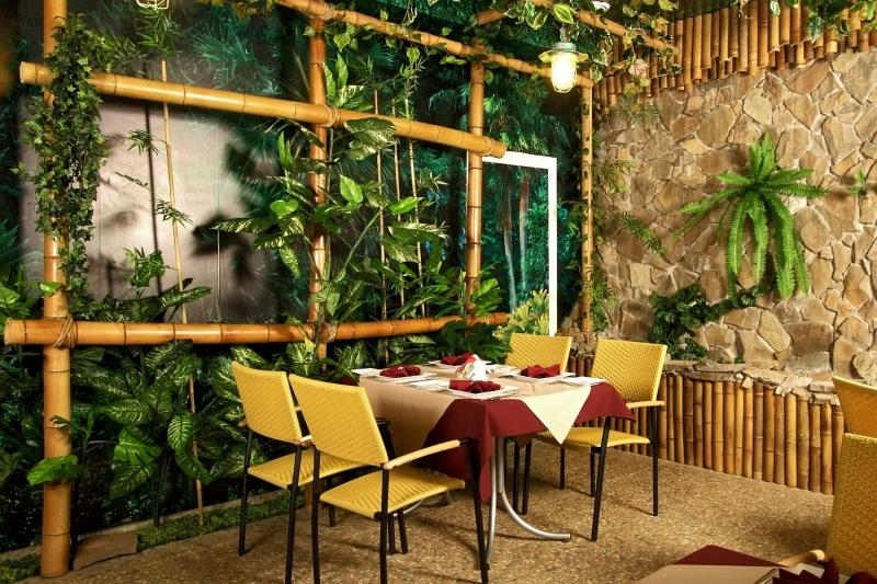 Бамбуковые стволы декор